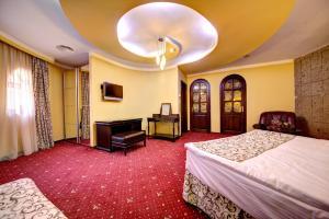 House of Dracula Hotel, Hotely  Poiana Brasov - big - 59