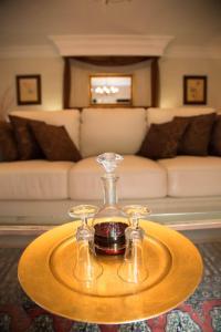 Luxuriöse Suite mit Whirlpool-Badewanne