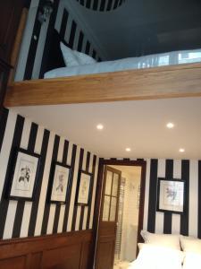 Apartment Le 1725, Ferienwohnungen  Saint-Malo - big - 41
