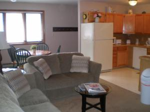 Two-Bedroom Apartment (4 Adults)