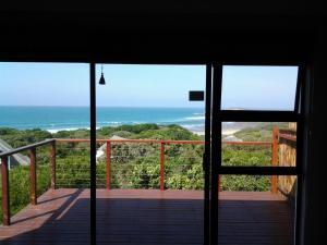 Apartament typu Suite z łóżkiem typu queen-size i widokiem na morze
