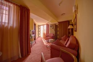 House of Dracula Hotel, Hotely  Poiana Brasov - big - 9