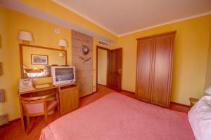 House of Dracula Hotel, Hotely  Poiana Brasov - big - 8