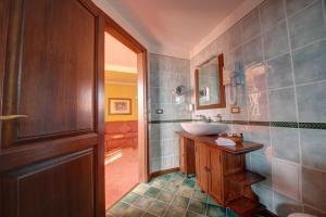 House of Dracula Hotel, Hotely  Poiana Brasov - big - 6