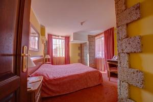 House of Dracula Hotel, Hotely  Poiana Brasov - big - 20