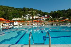 Residence Cala Di Mola - AbcAlberghi.com