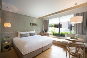 Plush Double or Twin Room