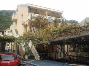 Radović Apartments, Будва
