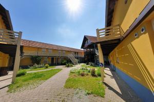 Le Relais De Wasselonne & Spa, Residence  Wasselonne - big - 32