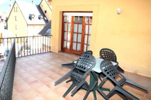 Somni Aranès, Apartments  Vielha - big - 9