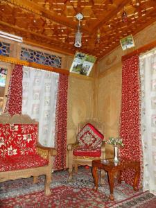 Houseboat Moon of Kashmir, Ботели  Сринагар - big - 11