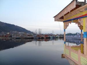 Houseboat Moon of Kashmir, Ботели  Сринагар - big - 12