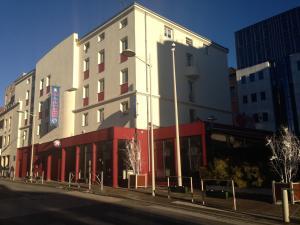 Inter hotel oyonnax central parc étoiles avec restaurant et bar