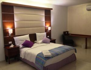 The Hub Hotel, Hotels  Freetown - big - 18