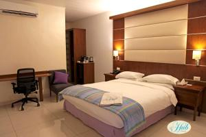 The Hub Hotel, Hotels  Freetown - big - 11