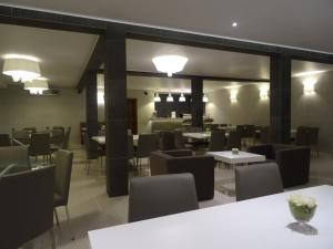 The Hub Hotel, Hotels  Freetown - big - 22
