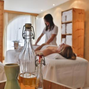 Romantik Hotel Santer, Hotely  Dobbiaco - big - 82