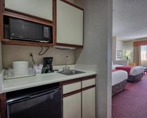 Comfort Suites Parkersburg South
