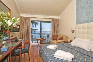 Hotel Villa Capri, Hotel  Gardone Riviera - big - 13