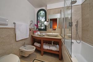 Hotel Villa Capri, Hotel  Gardone Riviera - big - 14
