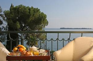 Hotel Villa Capri, Hotel  Gardone Riviera - big - 15