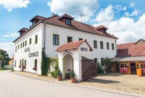 Hotel Cernice