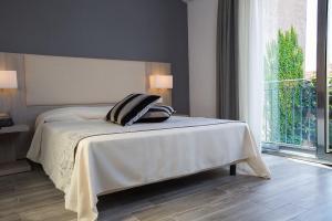 Palazzo Ducale Suites, Panziók  Monreale - big - 4