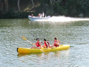 Team Holiday - Camping Les Catalpas, Кемпинги  Фюмель - big - 64