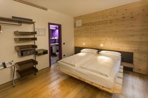Ambienthotel PrimaLuna, Hotely  Malcesine - big - 9