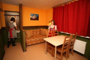 33 Bears Hotel, Hotels  Novoabzakovo - big - 7