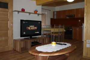 Penzion Tatry, Appartamenti  Veľká Lomnica - big - 9