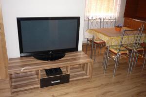 Penzion Tatry, Appartamenti  Veľká Lomnica - big - 12