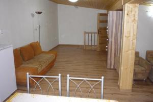 Penzion Tatry, Appartamenti  Veľká Lomnica - big - 18