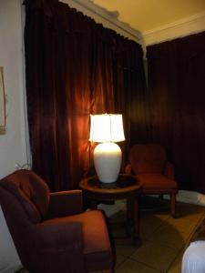 Rom med queen-size-seng og boblebad