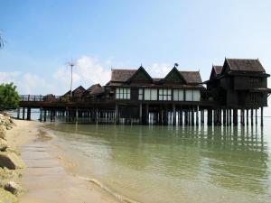Sea Villa Private Unit @ Langkawi Lagoon Resort, Üdülőtelepek  Kampung Padang Masirat - big - 21