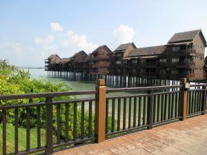 Sea Villa Private Unit @ Langkawi Lagoon Resort, Üdülőtelepek  Kampung Padang Masirat - big - 12