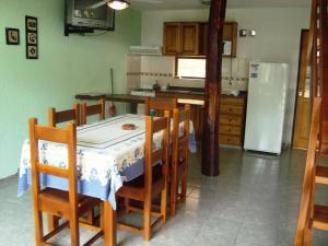 Complejo Vacacional Sol y Lago, Horské chaty  Villa Carlos Paz - big - 7