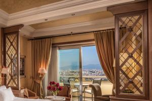Imperial Twin Room with Rome View and Club Lounge Access