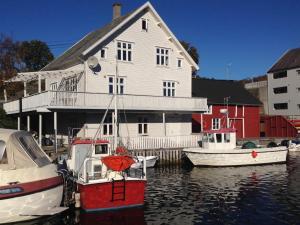 Olsahuset Bømlo, Hostely  Bømlo - big - 6