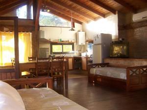 Namai Miska, Chaty  Villa Carlos Paz - big - 4