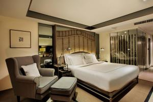 Deluxe Double or Twin Room with River View and Balcony