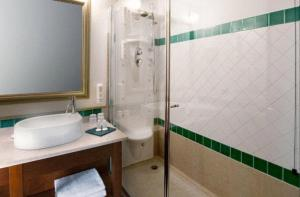 Hotel Villa Capri, Hotel  Gardone Riviera - big - 10