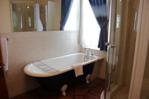 Suite- Standard Garden Manor 2