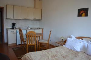 Apartments Flora-Daisy, Apartmanhotelek  Borovec - big - 10