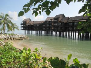 Sea Villa Private Unit @ Langkawi Lagoon Resort, Üdülőtelepek  Kampung Padang Masirat - big - 10