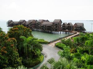 Sea Villa Private Unit @ Langkawi Lagoon Resort, Üdülőtelepek  Kampung Padang Masirat - big - 35