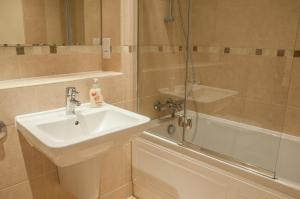 Flexi-Lets@The Bars Development Guildford, Apartmány  Guildford - big - 7