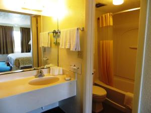 Days Inn by Wyndham St. Augustine West, Motels  St. Augustine - big - 2