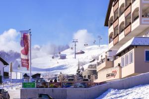 Alpen-Herz Romantik & Spa - Adults Only, Szállodák  Ladis - big - 96