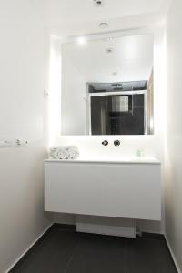 Standard One-Bedroom Apartment – 60